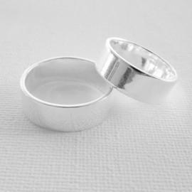 Žiedas platus graviravimui