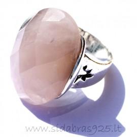 Žiedas su rožiniu kvarcu