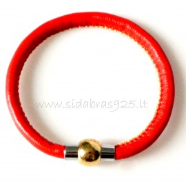 Bracelet with magnet