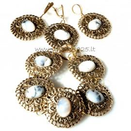 """Bronze jewellery set """"Junda su agatais"""""""