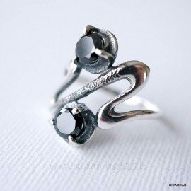 Žiedas su juodu Cirkoniu Ž075
