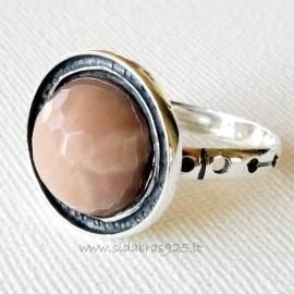 Žiedas su natūraliu Saulės akmeniu Ž501