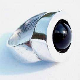 Žiedas su Oniksu Ž080