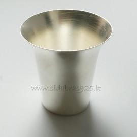 Серебряная чашечка