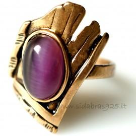 Bronzins žiedas su violetine Katės akimi BŽ054