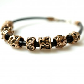 Bronze bracelet with gold colored beads J8