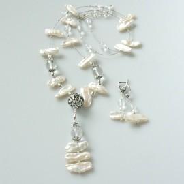 Комплект - ожерелье с жемчугом и хрусталем