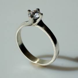 Ring with Zirconia Engagement Ž125