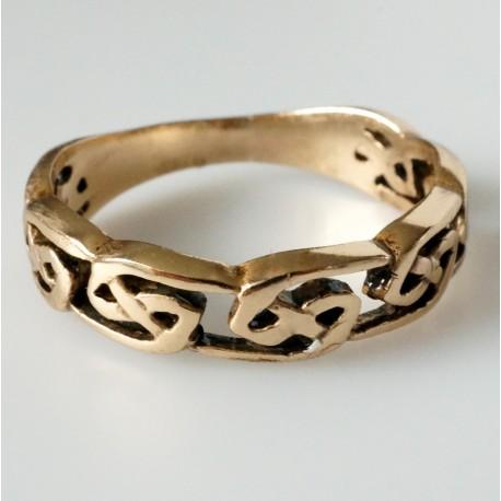 Bronzins žiedas BŽ704