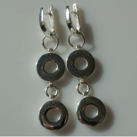 Earrings two white castors